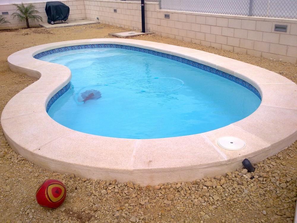 Piscina fibra de vidrio cano piscina modelo r 60 valencia for Video de modelos de piscinas