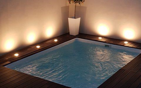 Imagen de Piscinas Cano Fibra de vidrio y Poliester Modelo Swim-Spa instalado en Tudela
